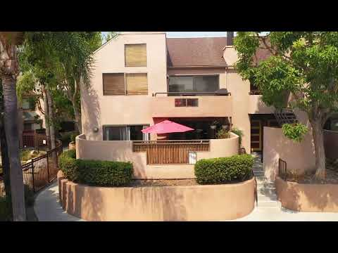Watch video / view full details for 25761 Le Parc, Lake Forest IG